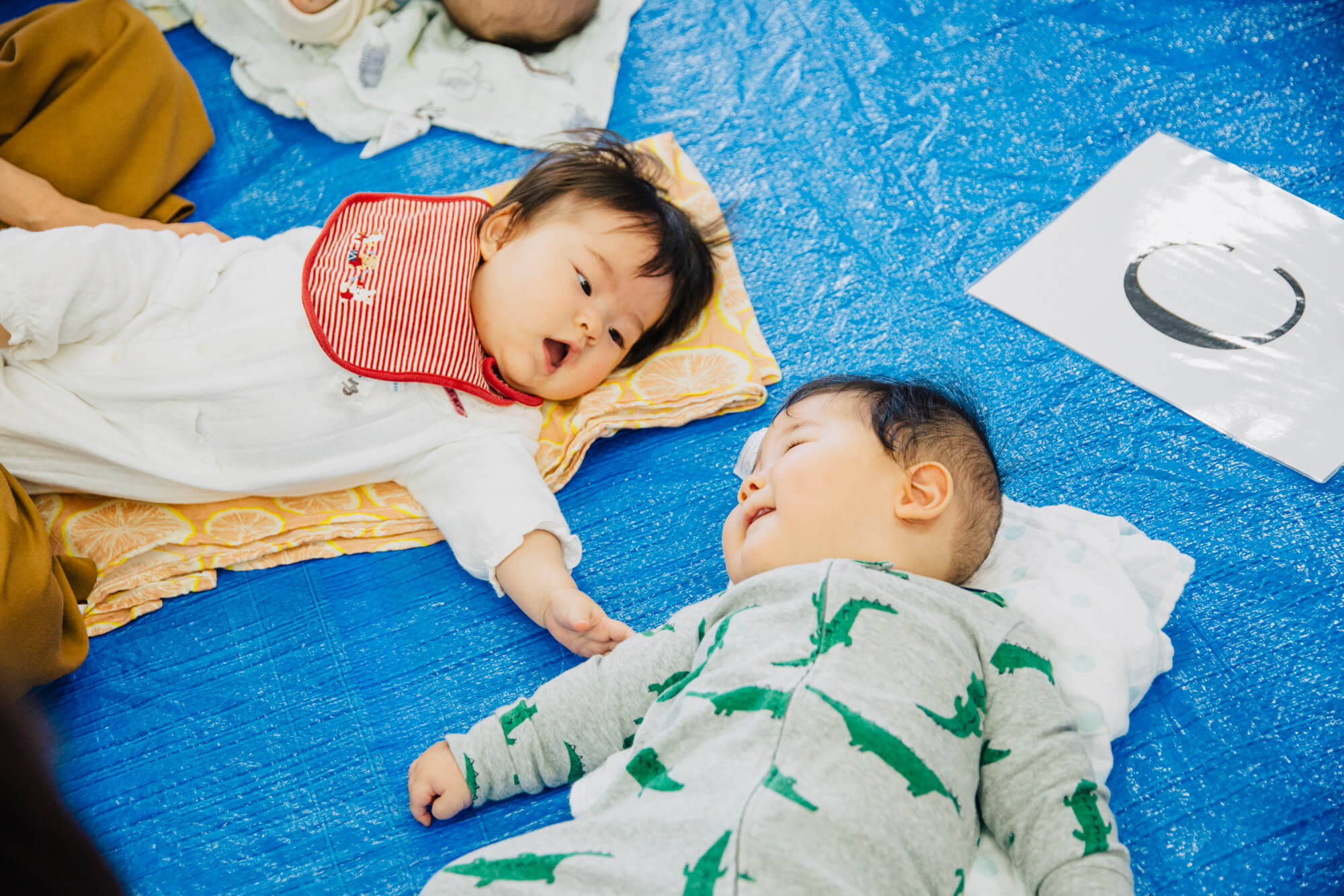 赤ちゃん同士の交流